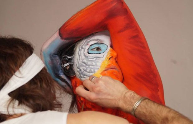 body painting perroquet